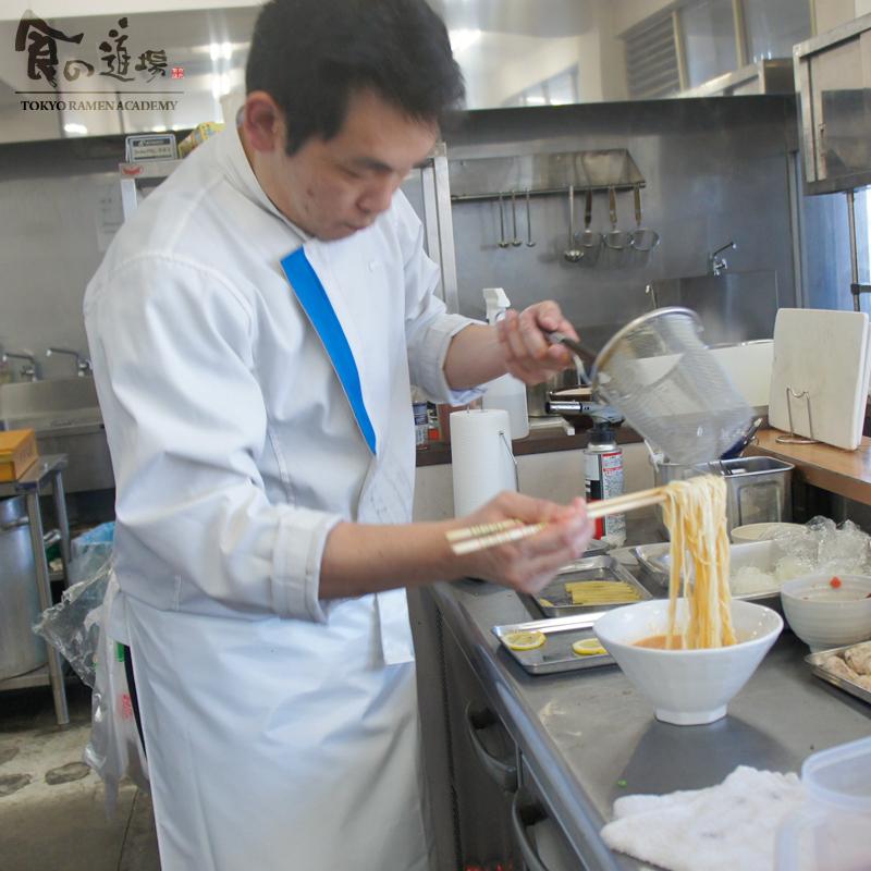食の道場 82期 星さん 卒業ラーメン 赤い鶏パイタン~トマトより愛をこめて~ 004